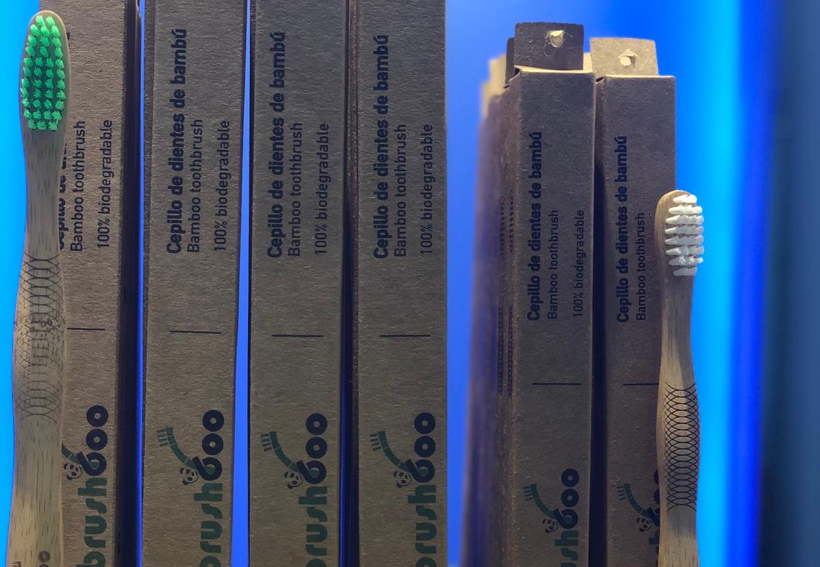 Raspalls de dents de bambú per a nens