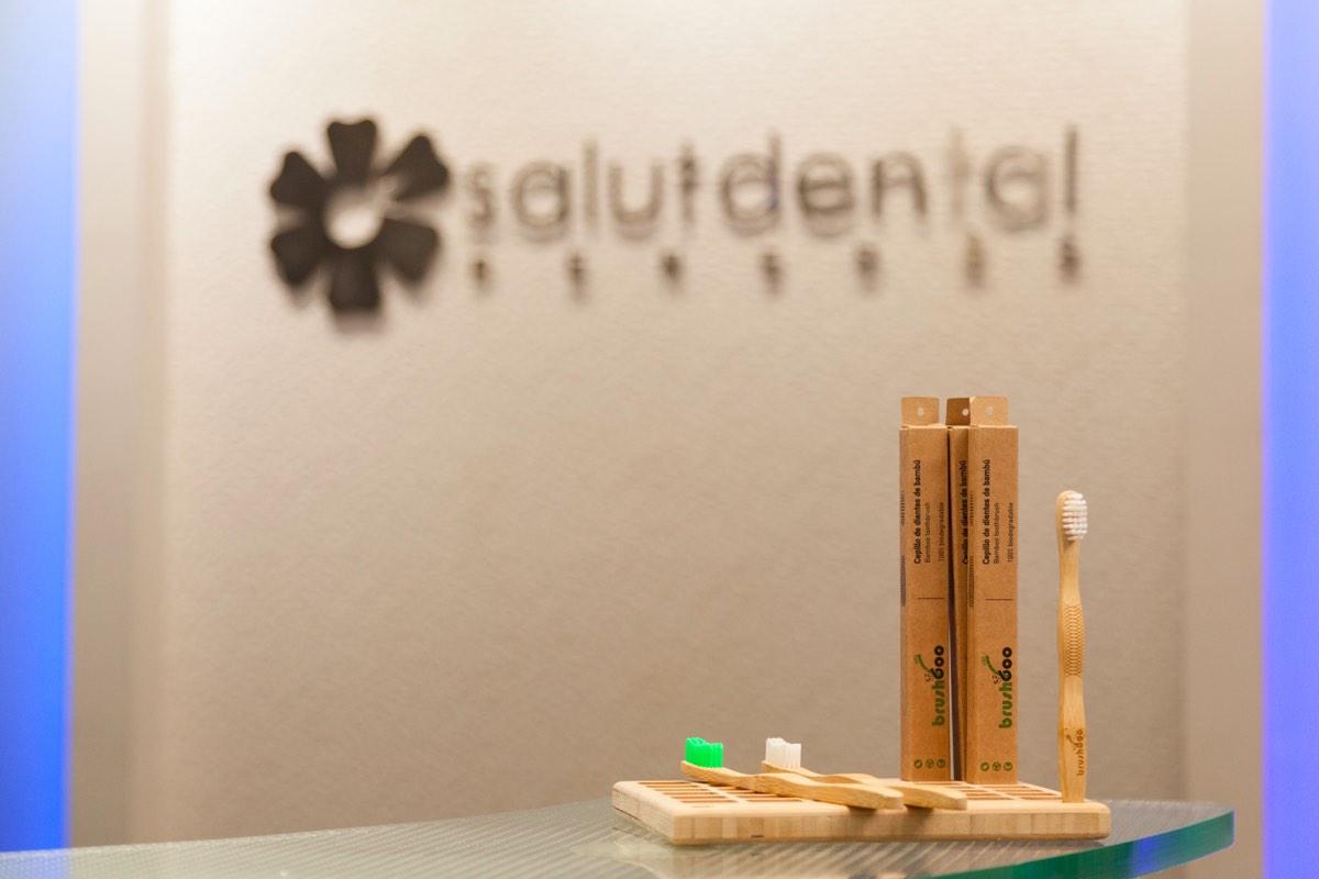 Clínica Dental Sostenible - Raspalls de bambú